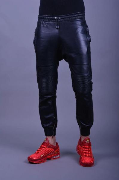 86R02600_black_leather_jogger01.jpg