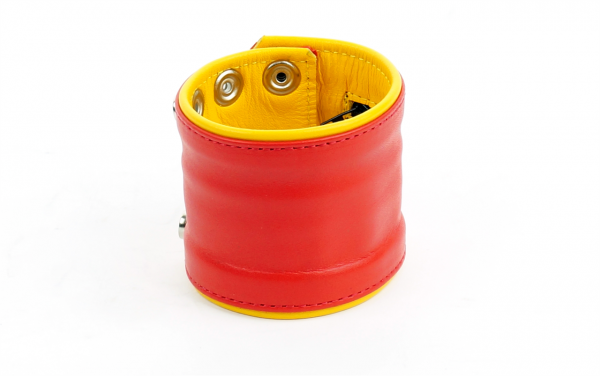 77413110_mister_b_leather_circuit_wrist_wallet_zip_red_yellow_2.png