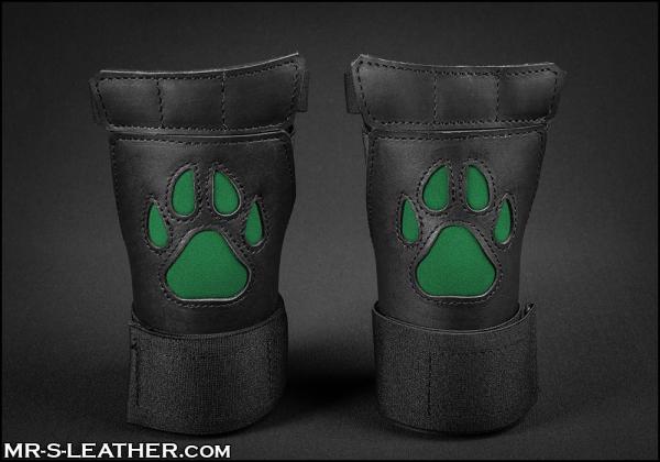 SNEO615h_open_paw_puppy_glove_hunter_1.jpg