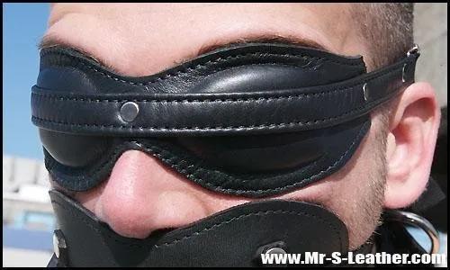 SHT040_Fetters_Padde_Blindfold_1.png