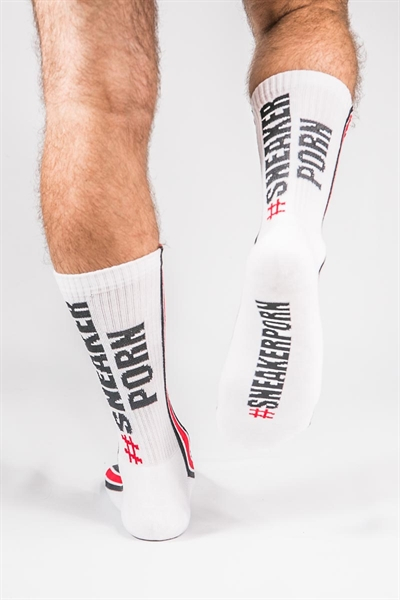 77442390_SNEAKERPORN_Socks_White_red_1.jpg