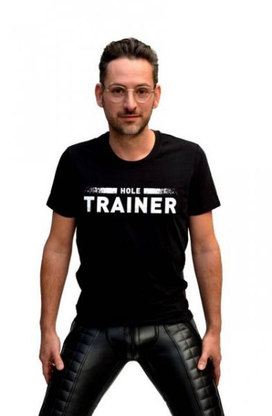 77824140_mister_b_t_shirt_hole_trainer_1.jpg