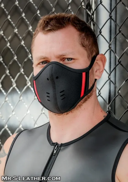 Sneo430r_Neoprene_Face_Mask_black_red_1.png