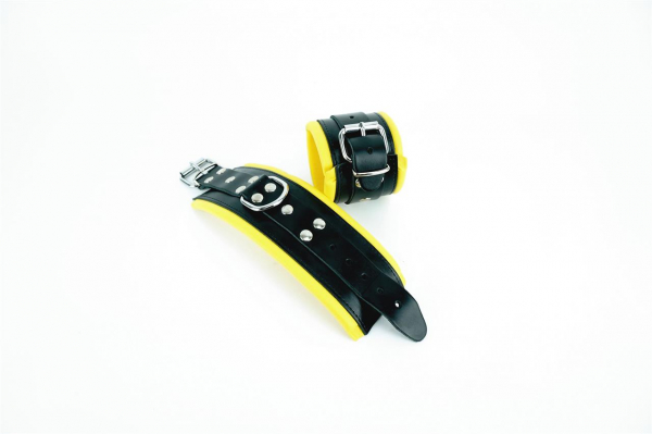 77610120_Leather_Wrist_Restraints_Black_Yellow.jpg