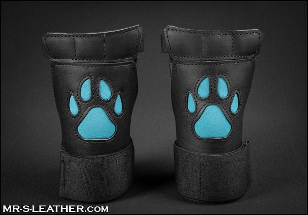 SNEO615q_open_paw_puppy_glove_aqua_1.jpg